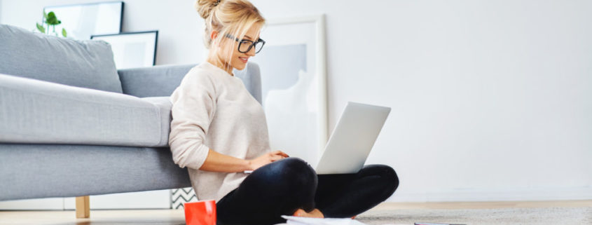a woman with ADHD getting online speech therapy at home
