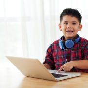 child with a stutter getting speech therapy online
